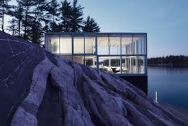this mesmerizing glass house is also a photographer u0027s lakeside