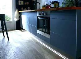 lumiere meuble cuisine reglette sous meuble cuisine eclairage meuble cuisine led eclairage