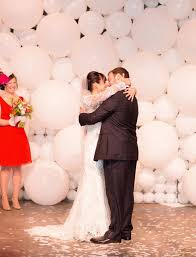 wedding backdrop balloons 31 cheerful wedding balloon ideas that inspire weddingomania