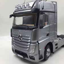 mercedes truck white nzg mercedes benz actros giga space truck tractor in scale 1 18