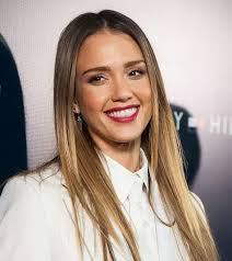 best hairstyle for chubby oval face find the best hairstyles for your face shape just like these celebs