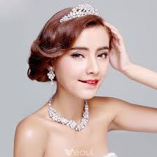 wedding dress accessories bridal jewellery wedding tiara diamond earrings shiny necklace