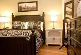 how to arrange a full size bed u0026 dresser in a 10 u0027 x 10 u0027 room
