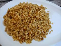 cuisiner avec un rice cooker cuillère aiguille et scie sauteuse blé aux épices avec mon rice cooker