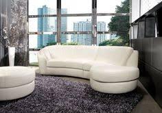 relooker un canapé en cuir le canapé d angle arrondi comment choisir la meilleure variante