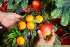 how to decorate a tree with food 10 steps