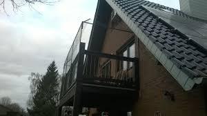 katzennetze balkon freistehenden holzbalkon mit katzennetz system inkl