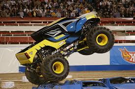 monster truck show baltimore what the truck advance auto parts monster jam stops by m u0026t