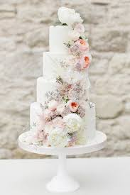 wedding cake how to use pretty petals throughout your wedding wedding