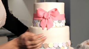A Wedding Cake How To Decorate A Wedding Cake Howcast The Best How To Videos