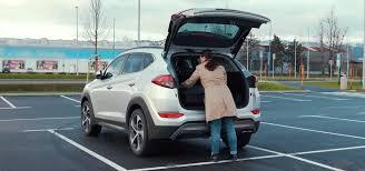 hyundai tucson issues how to use hyundai tucson smart liftgate electric tailgate