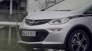 opel chevy what u0027s going on with the chevy bolt and the opel ampera e youtube