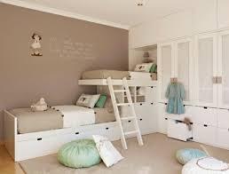 chambre enfant beige design interieur chambre deux enfants beige vlanc vert pastel
