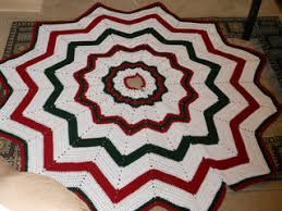 ravelry tree skirt pattern by donna svara