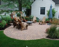 Patio Backyard Ideas Best 25 Small Brick Patio Ideas On Pinterest Brick Patios