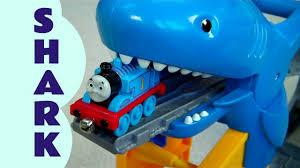shark exhibit thomas u0026 friends play kids toy train
