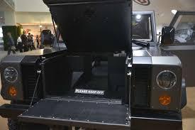 bollinger b1 bollinger b1 měl premiéru v l a bizarní off road pohání pouze