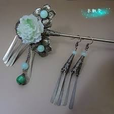traditional hair accessory one day hair