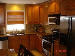 What Color Kitchen Cabinets Go With White Appliances Oak Cabinets Outdated Black Stainless Appliances With Oak Cabinets