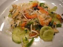 cuisiner vermicelle de riz recette salade vietnamienne aux vermicelles de riz et crevettes 750g