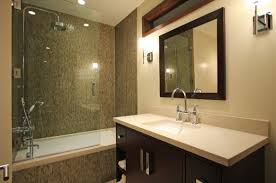 Bathtubs With Glass Shower Doors Beautiful Modern Bath That Combines Shower And The Bathtub