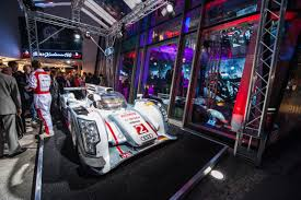 audi digital showroom audi ag highlights new digital showroom with world record racing