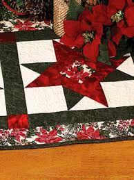 quilted christmas quilting christmas decorations wall quilts christmas