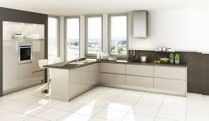 weisse hochglanz küche weiße küche mit brauner arbeitsplatte kuche hellweg holz pflege