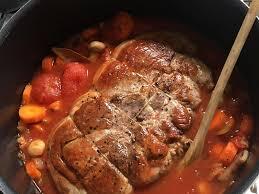 cuisiner une rouelle de porc rouelle de porc à la sauce tomate recette de rouelle de porc à