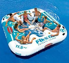 canapé gonflable piscine top 20 des bouées les plus originales pour des baignades stylées