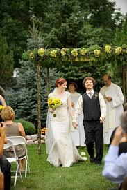 wedding photographers wi backyard wisconsin wedding photography jess adam