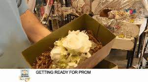 waukesha floral formal occasion prom flowers corsage boutonniere waukesha wi