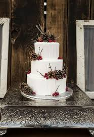 winter wedding cakes of winter wedding cakes with berries 4