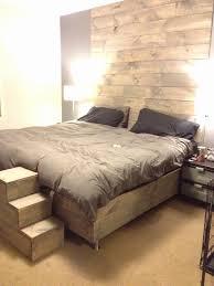 mur de chambre en bois decoration mur chambre a coucher beautiful notre chambre à coucher