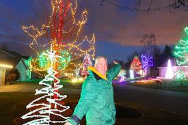christmas light installation plymouth mn parkinson s fuels plymouth man s light show newscut minnesota