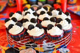 mickey mouse cupcakes celebrating our disneyside