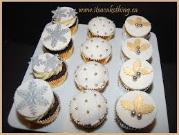 Christmas Cake Decorations Silver by 125 Best Cupcake Ideas Images On Pinterest Cupcake Ideas Cup