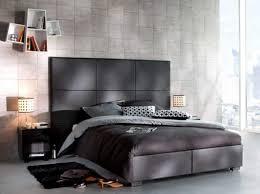 chambre avec lit noir chambre avec lit noir decoration de chambre noir et blanc u visuel