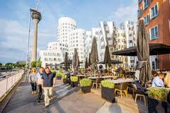 architektur dã sseldorf restaurant in rhein turm dusseldorf redaktionelles foto bild