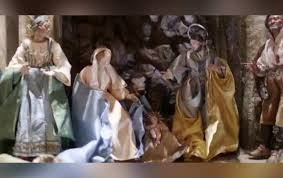 white house displays stunning nativity set with baby jesus