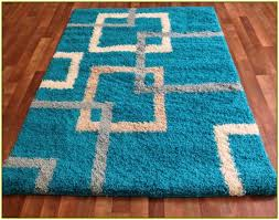 the colorful and exotic turquoise rugs to brighten up your rooms
