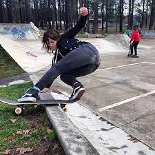 Skateboard Meme - fewandfarwomen skaters