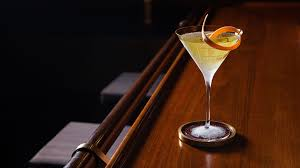 apple martini bar punch review the grand revamp of new york u0027s four seasons bar