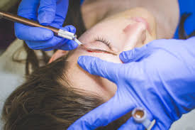 an infection from microblading made this woman u0027s eyebrows fall off