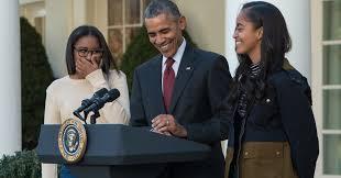 obama thanksgiving turkey sasha malia obama prove they u0027re just like all other teenage girls