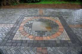 patio with pavers and bluestone