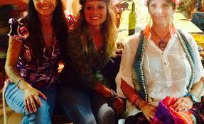 foto hippie figli dei fiori al podere della zia serata con i figli dei fiori pisa24 info