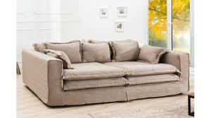 tissu canapé canapé design tissu aline tout en avec plein de coussins