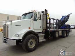 pm 36528 lc knuckle boom crane w kenworth t800 form cage truck