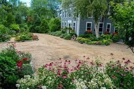 Backyard Gravel Ideas 26 Decorative Ideas Of Landscaping With Gravel Home Design Lover